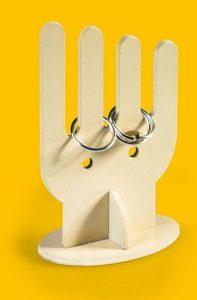 Jewelery Holder ruka